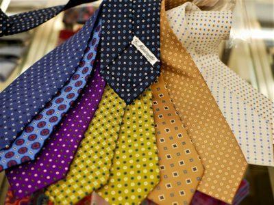 【MARUNOUCHI/TIES】珍しい色柄を中心にノーマル仕様シルクプリント小紋柄タイをご紹介いたします。